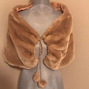 Oboe faux fur shawl size Small